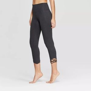 Women's Comfort High-Waisted 3/4 Knotted Leggings